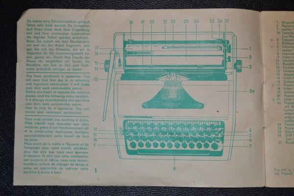 typewriter-894722_960_720